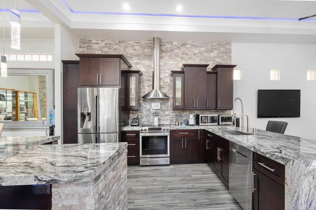 Cocinas modernas tendencias 2019 encimeras sevilla for Colores paredes cocinas modernas